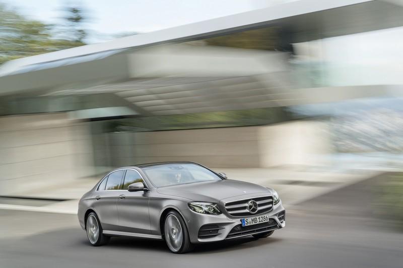 Yeni Mercedes- Benz E- Class'ın tüm renkleri