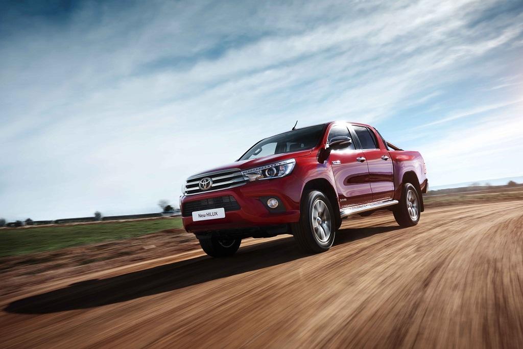 Toyota Hilux yeni bir maceraya imza attı