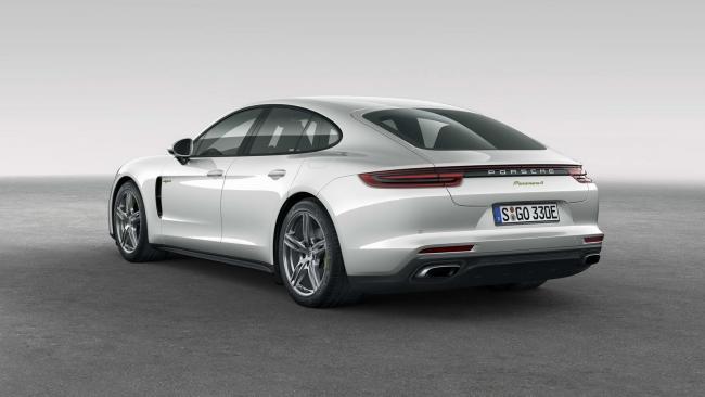 Yeni Porsche Panamera 4 E-Hybrit tanıtıldı