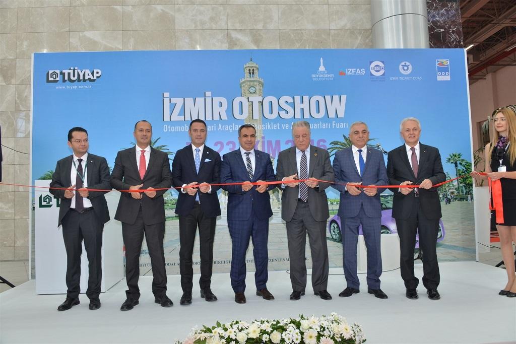 İzmir Otoshow Fuarı açıldı