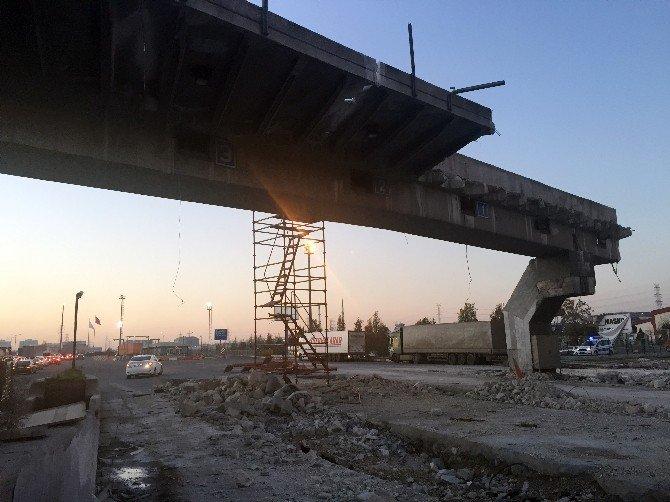 Mahmutbey Gişeleri'nde yıkım çalışması başladı