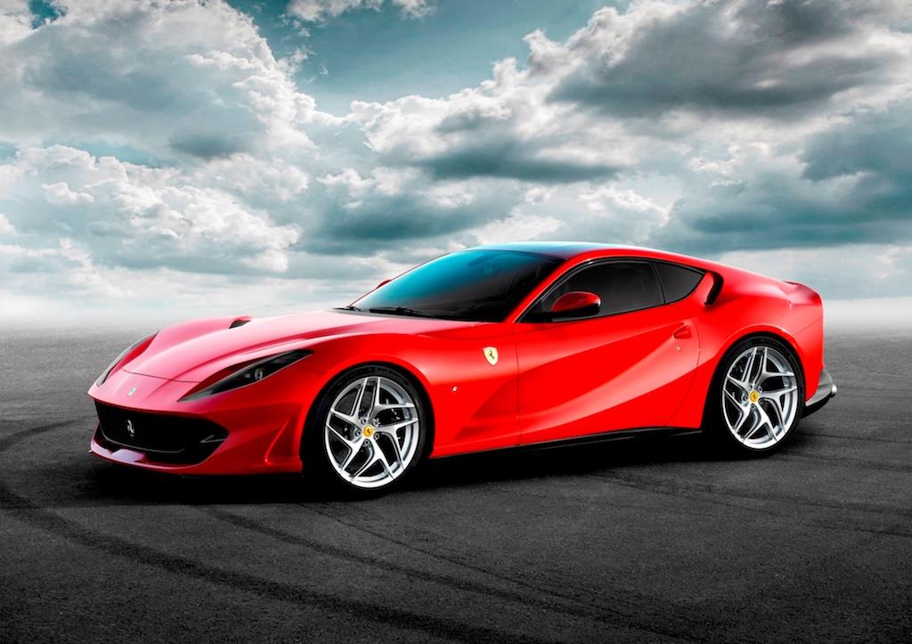 Ferrari'nin en hızlısı 812 Superfast Türkiye'ye ayak bastı