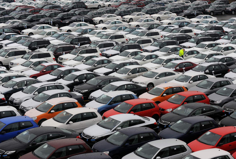 Aldığımız 100 otomobilden 70'i ithal!