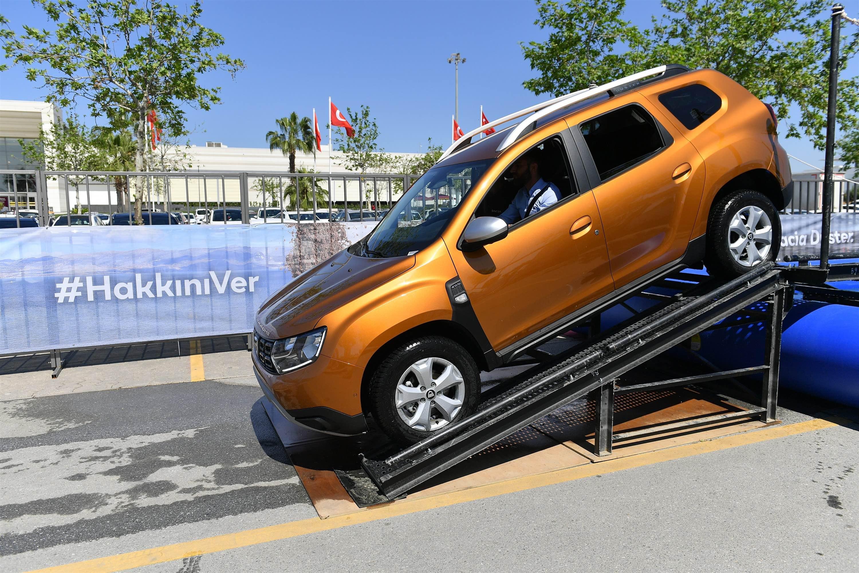 Yeni Duster Roadshow Türkiye'yi dolaşıyor