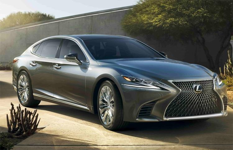 Lexus modelleri dünyanın en kusursuz otomobilleri seçildi