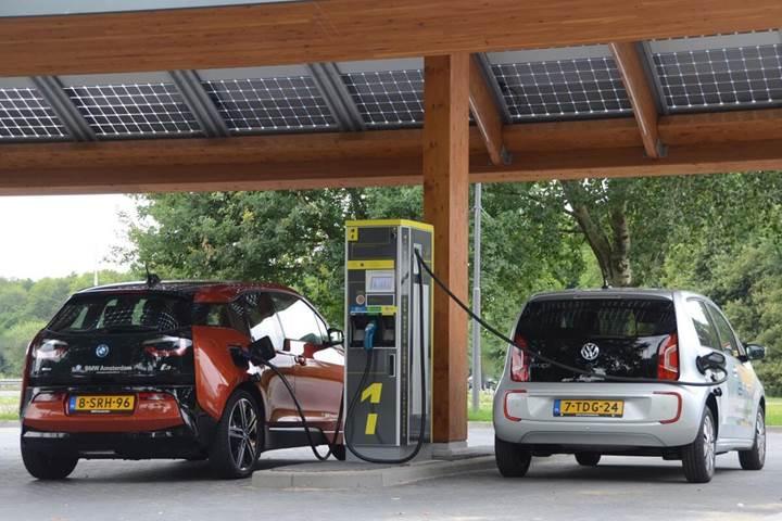 Petrol şirketi Shell, elektrikli otomobillere yöneliyor