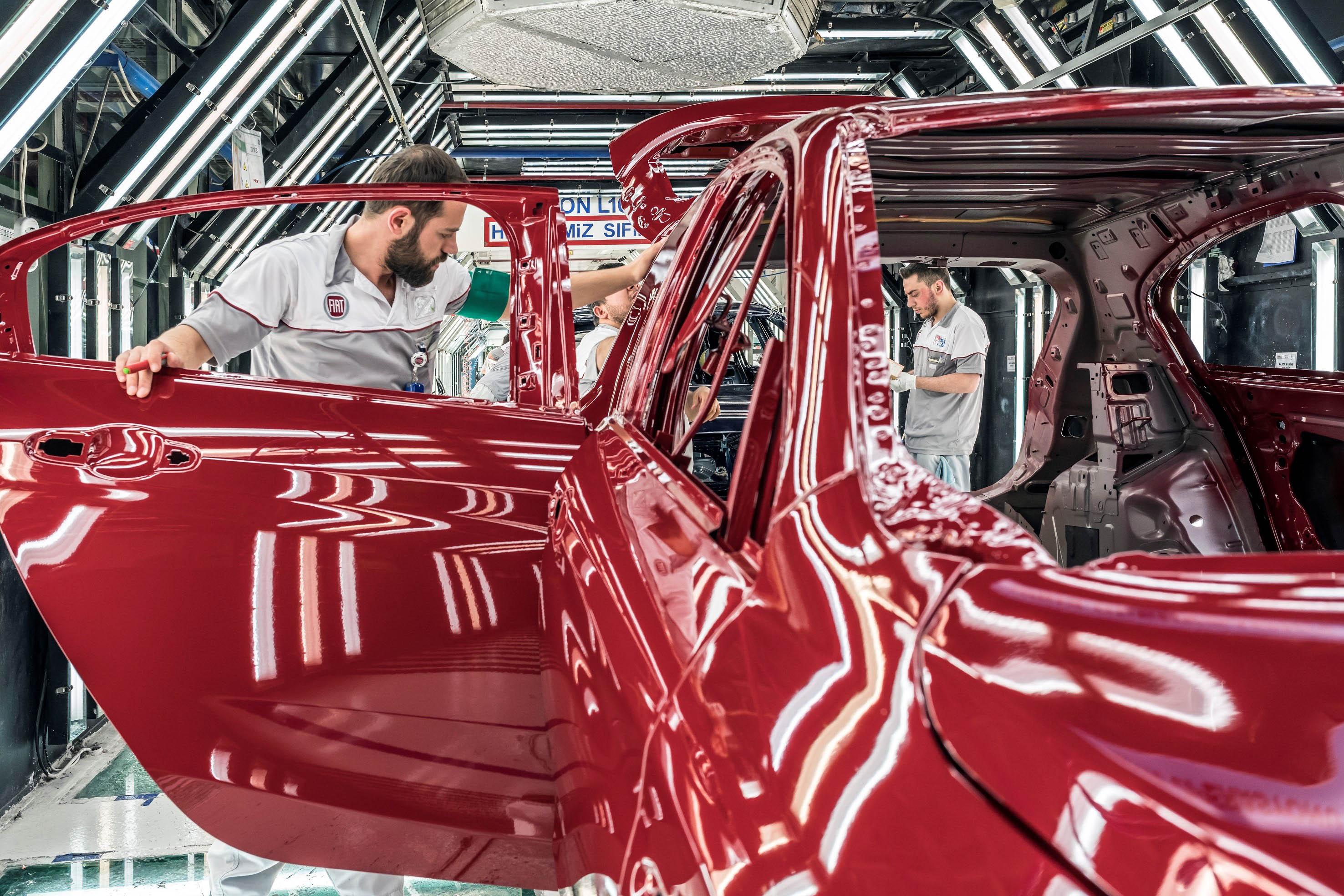 Alman otomobil devi Türkiye'de fabrika yatırımı yapacak
