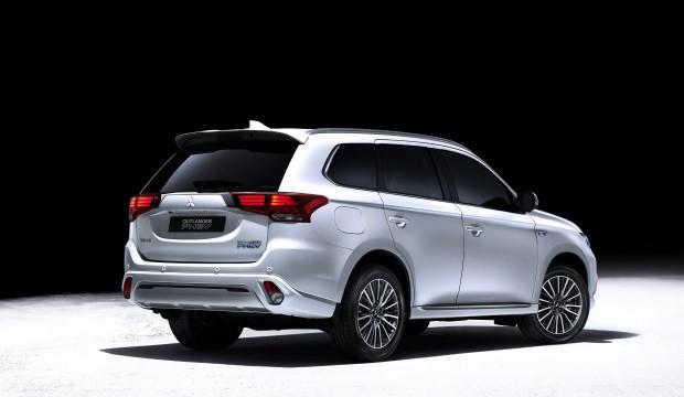 Mitsubishi Outlander yılın en çevreci SUV modeli oldu