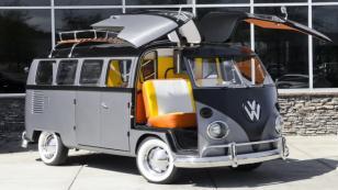 Volkswagen Type 2' ile 'Geleceğe Dönüş'