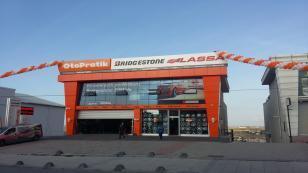 Brisa Arnavutköy'deki Otopratik mağazasını açtı