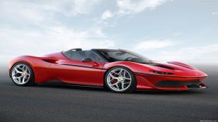 Ferrari J50 tanıtıldı.