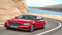 Yeni Mercedes- Benz E-Class'ın örtüsü kalktı