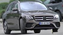 Yeni Mercedes E Serisi Station perdelerini aralıyor