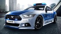 Ford Mustag GT polis çakarlarını taktı