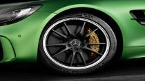 AMG GT R, Michelin'e emanet.