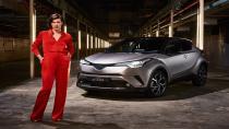 Toyota C-HR ve Milla Jovoviç Londra'da buluştu