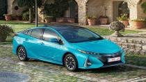 Toyota'dan yeni Prius Plug-in Hybrid.