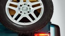 Mercedes-Maybach G650 Landaulet perdelerini araladı
