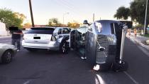 Uber'in otonom test aracı Arizona'da kaza yaptı.