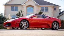 Trum'ın Ferrari'si rekor fiyata satıldı!