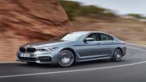 Yeni BMW 5 Serisi showroomlardaki yerini aldı