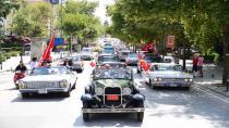 Klasik otomobillerden 'Zafer Konvoyu'