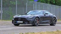 Yenilenen Mercedes AMG GT kamuflajsız görüntülendi