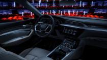 Audi'den araç sinema sistemi konsepti