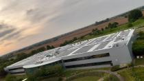 Toyota, Avrupa'daki Merkez Binasına Rüzgar Türbini ve Güneş Panelleri Yerleştirdi